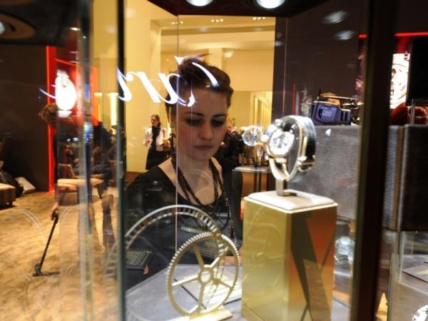 The 21st salon international de la haute horlogerie luxois for Salon de la haute horlogerie